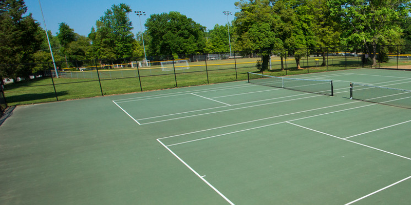 Tennis courts at Holmes Park
